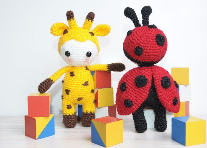 Amigurumi doll in ladybug costume | Marienkäfer kostüm, Marienkäfer ...