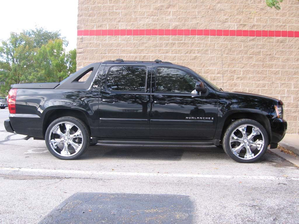 Chevy avalanche with chrome 20 s