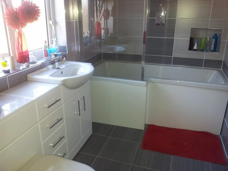 Coordinating Bathroom Floor And Wall Tile : Another great example of willow wall tiles with matching