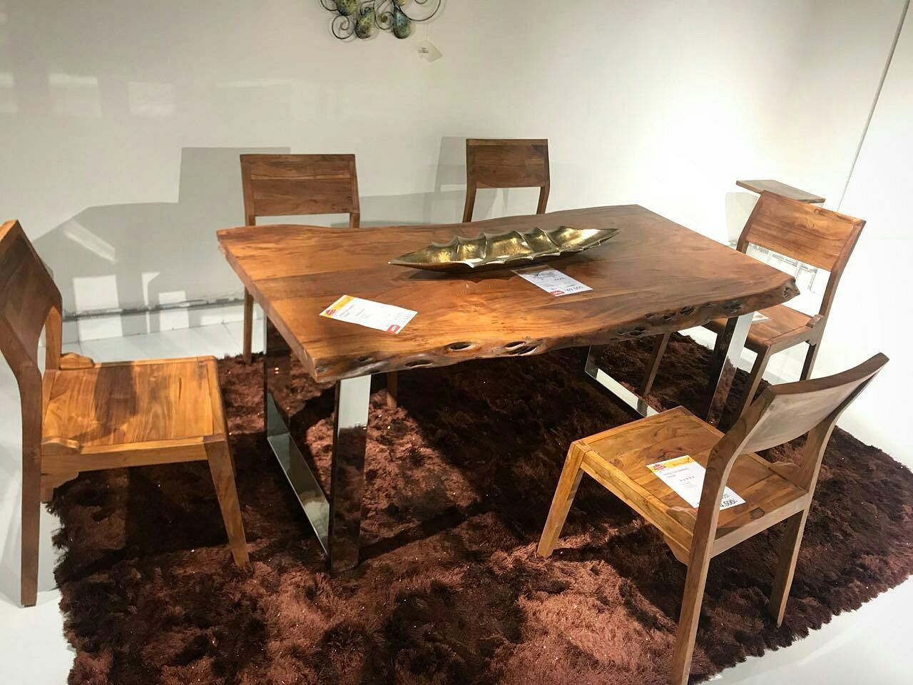 Best of live edgedining set made of beautiful acacia wood to give your dining room an aspiring feel industrial furniture liveedge liveedgetable