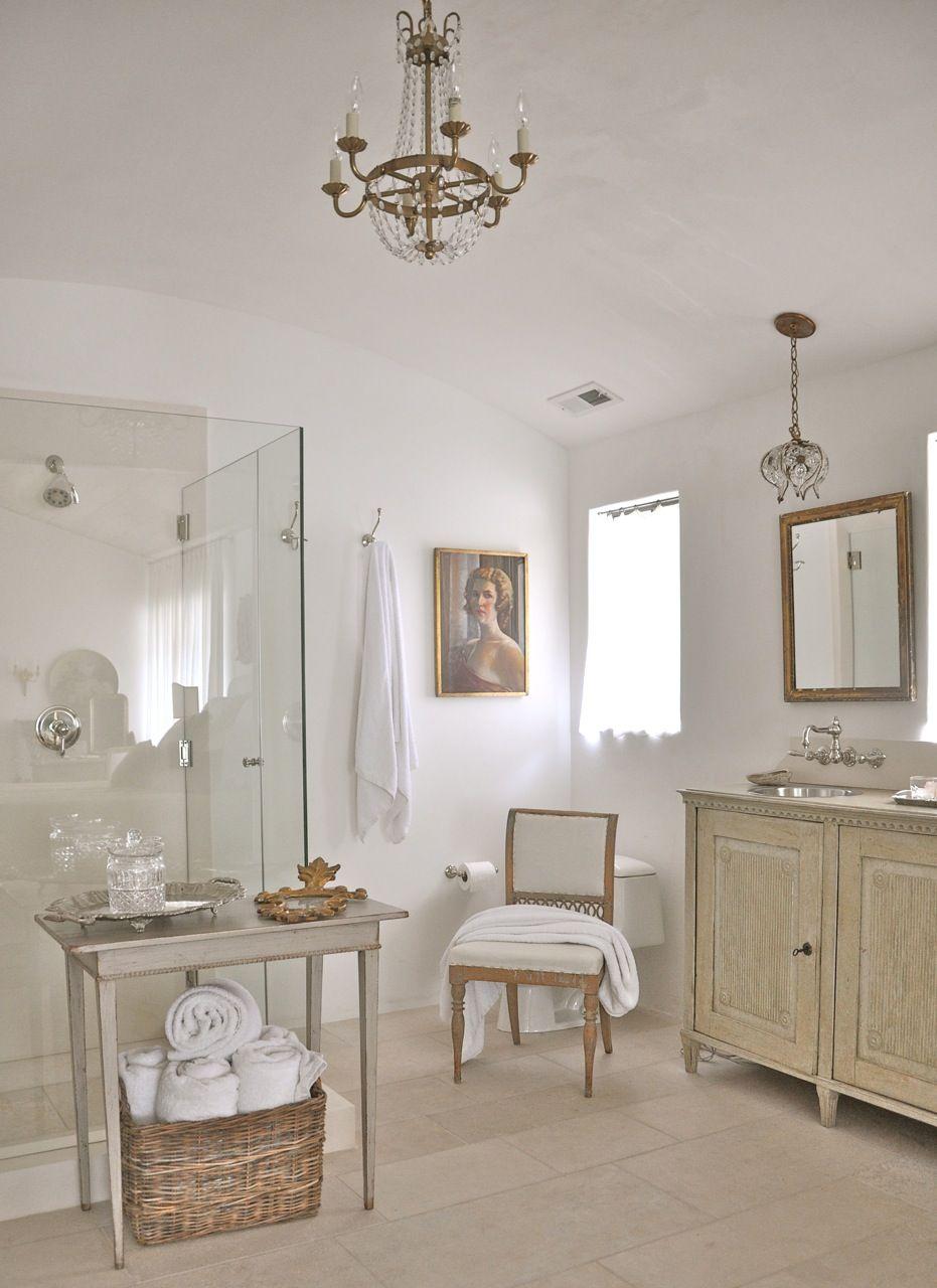 French Bathroom Source: Velvet & Linen blog | Interiors | Pinterest ...