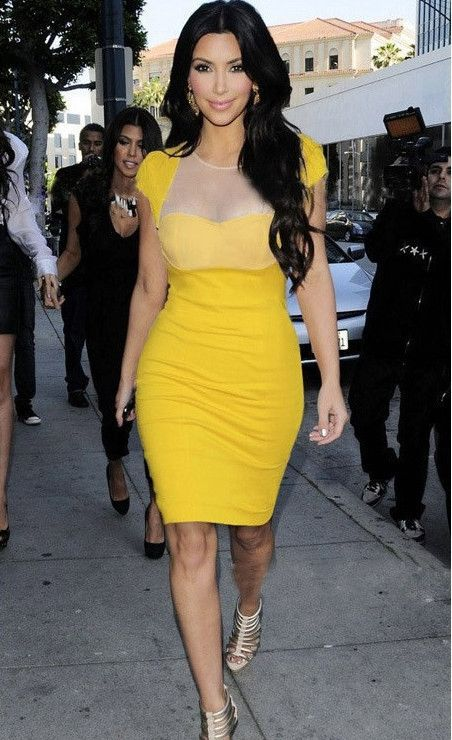 Vestido Amarillo Kim Kardashian Buscar Con Google In 2019