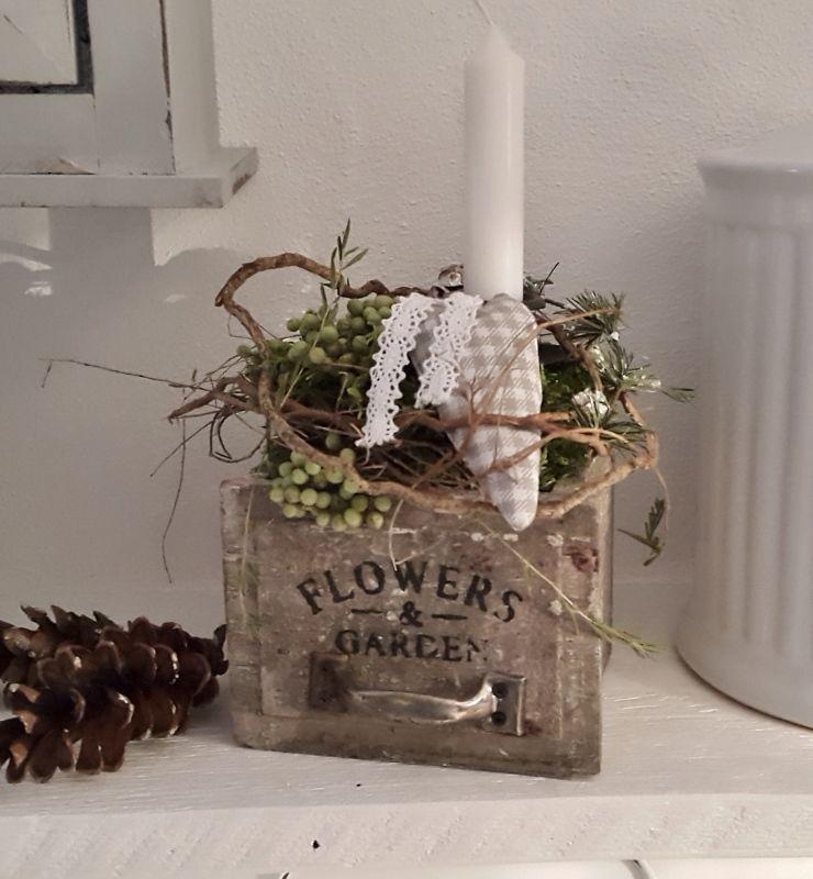 Kleines Schwedenhaus holzkistchen mit hübsch kleines schwedenhaus shabby chic tischdeko