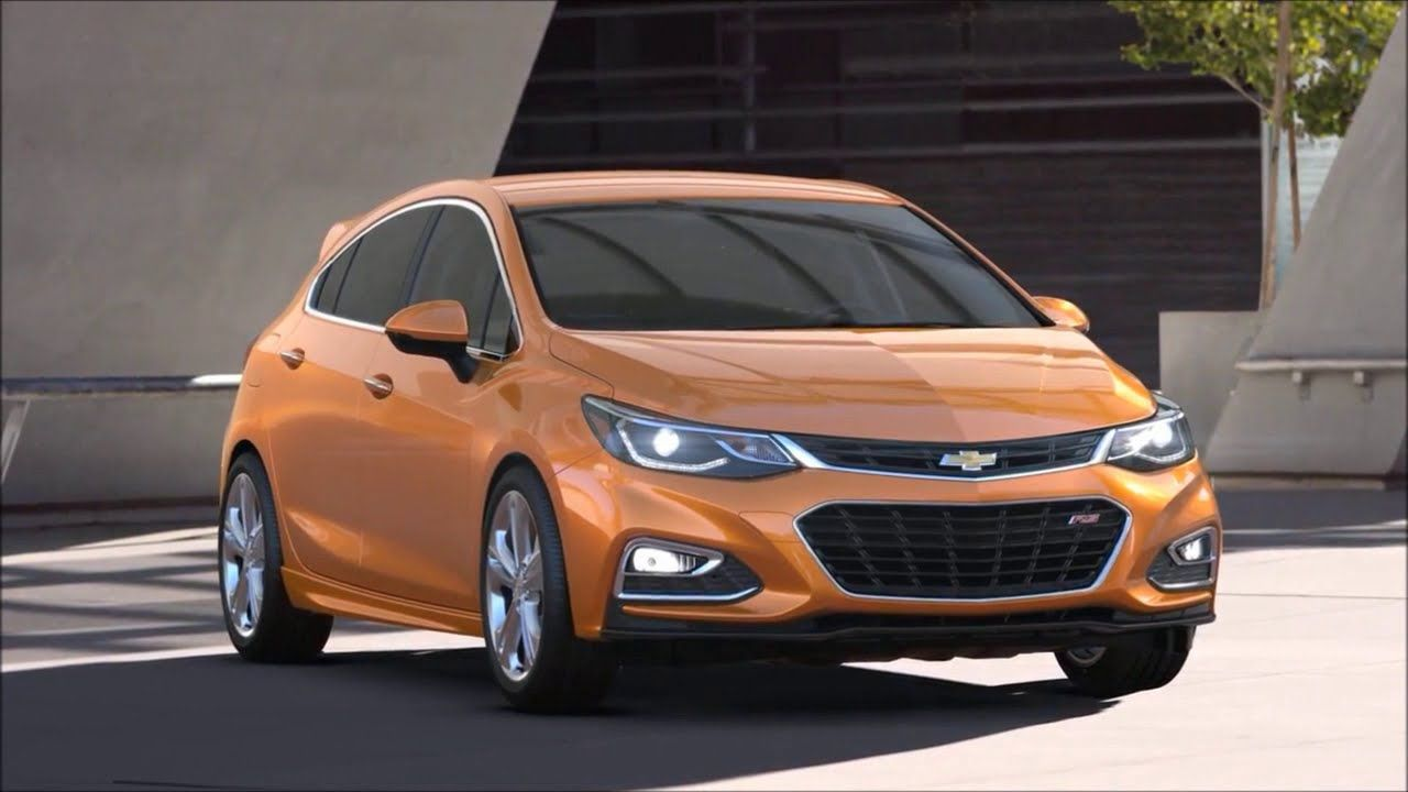 2017 Chevrolet Cruze Hatchback interior exterior design