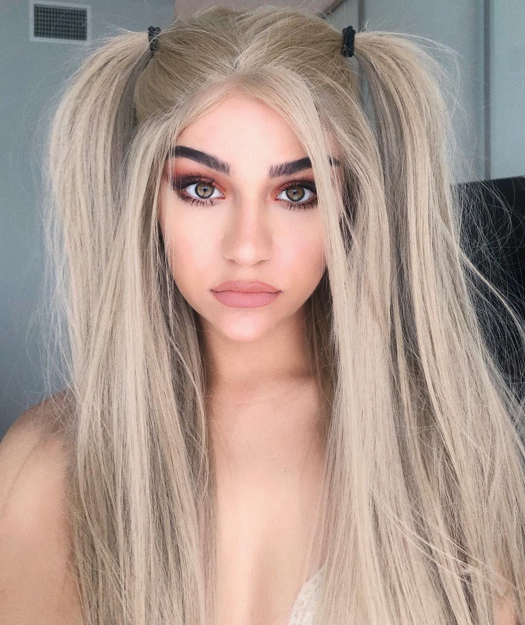 I Look Like Andrea Russett Champagne Hair Champagne Blonde Hair