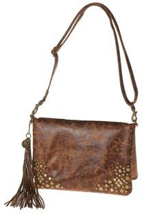 """9f901c8311b9 The LaRue Bag Pattern was inspired by the movie """"The Devil Wears Prada"""" and  it is a versatile bag"""