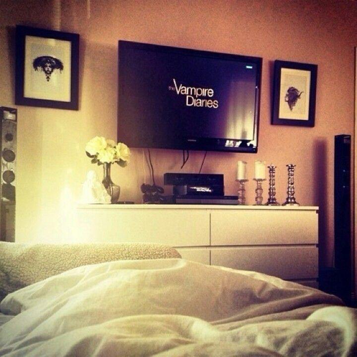 Cosy Bedroom Tv Layout Home Tv In Bedroom Bedroom Inspirations