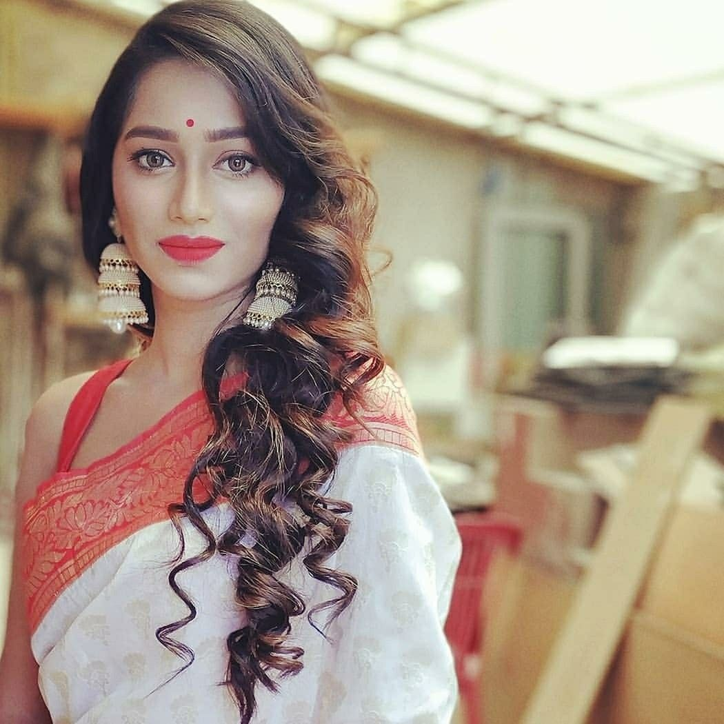 Deepsheta Bengali Beauty Sleeveless Hot