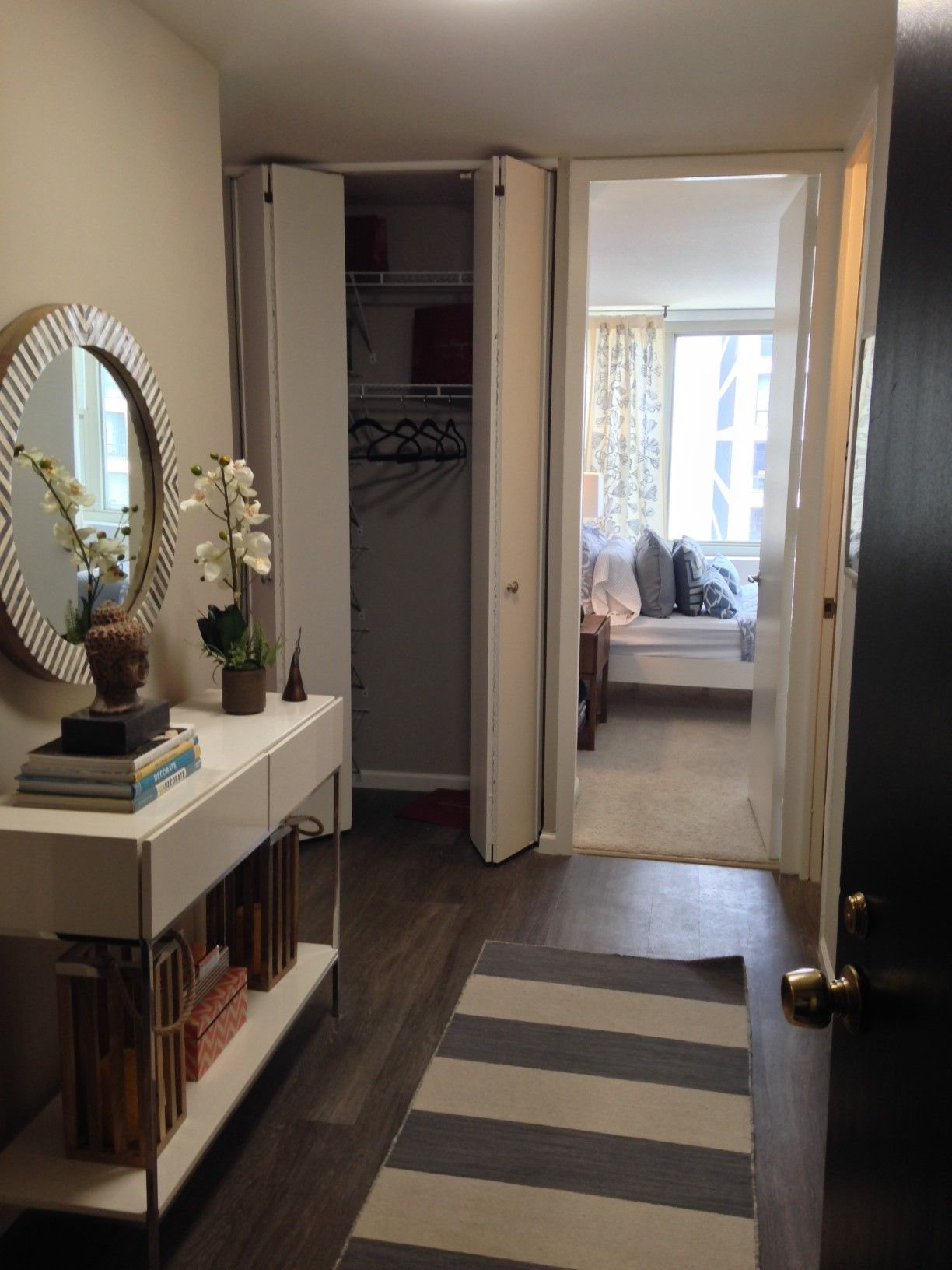 Gold Coast City Apartments Is A Luxury Apartment Community In The Gold  Coast Neighborhood Of Downtown