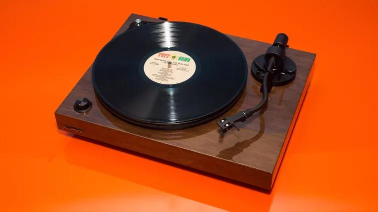 Best turntables under 300 in 2020 Audio Technica, Pro