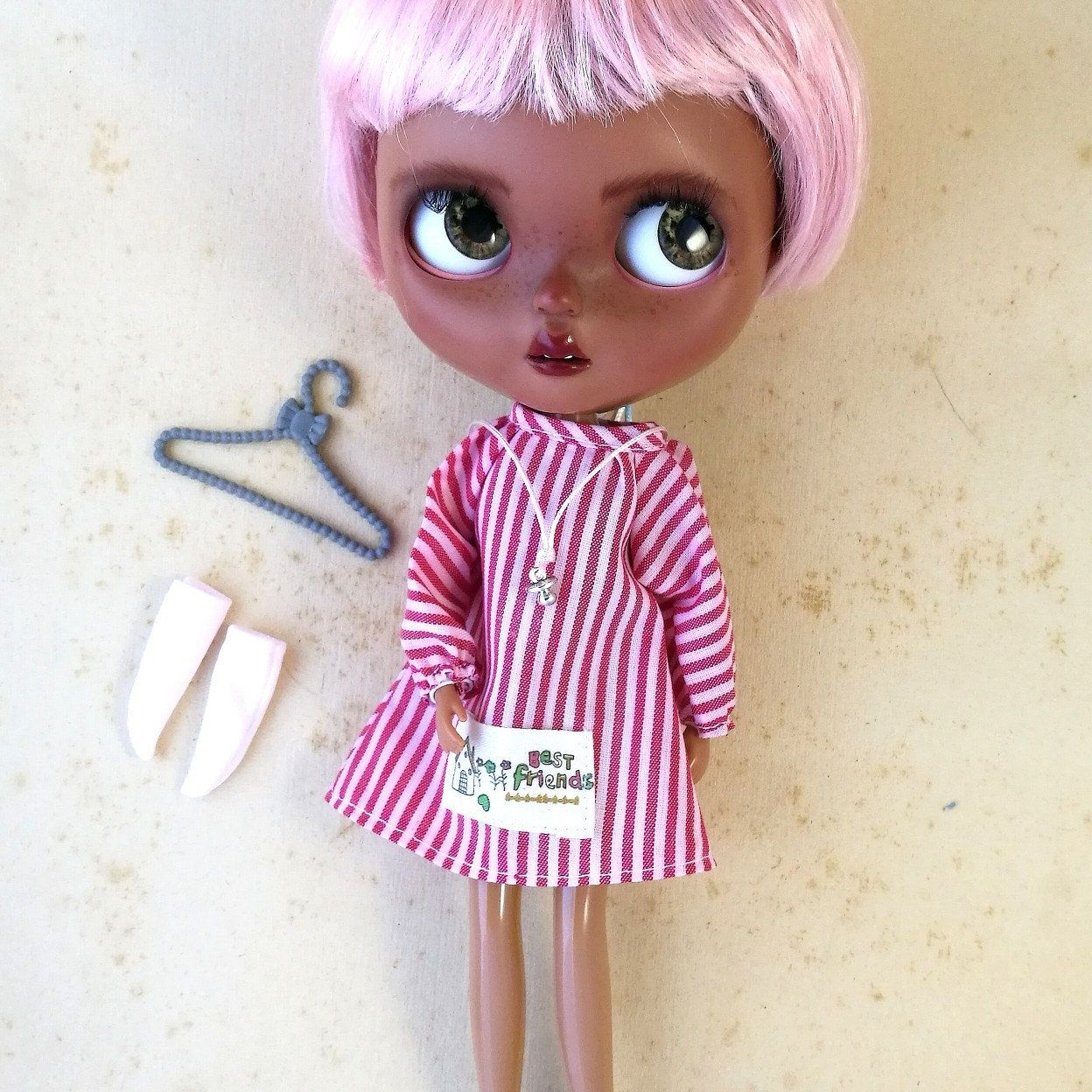 New Japan Pullip Blythe Licca Elly 9/'/' Doll Pink and White Uniform Doll Dress