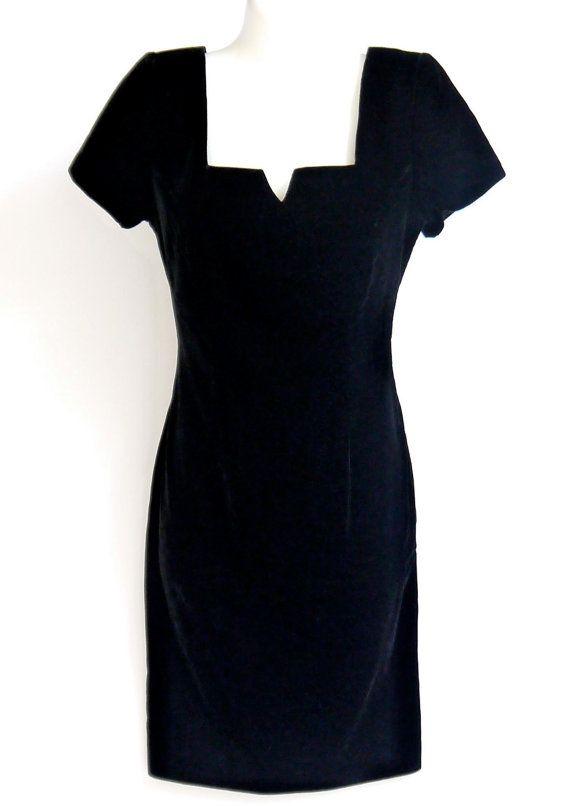 de03ac0f01 Sexy Vintage Black Velvet Dress
