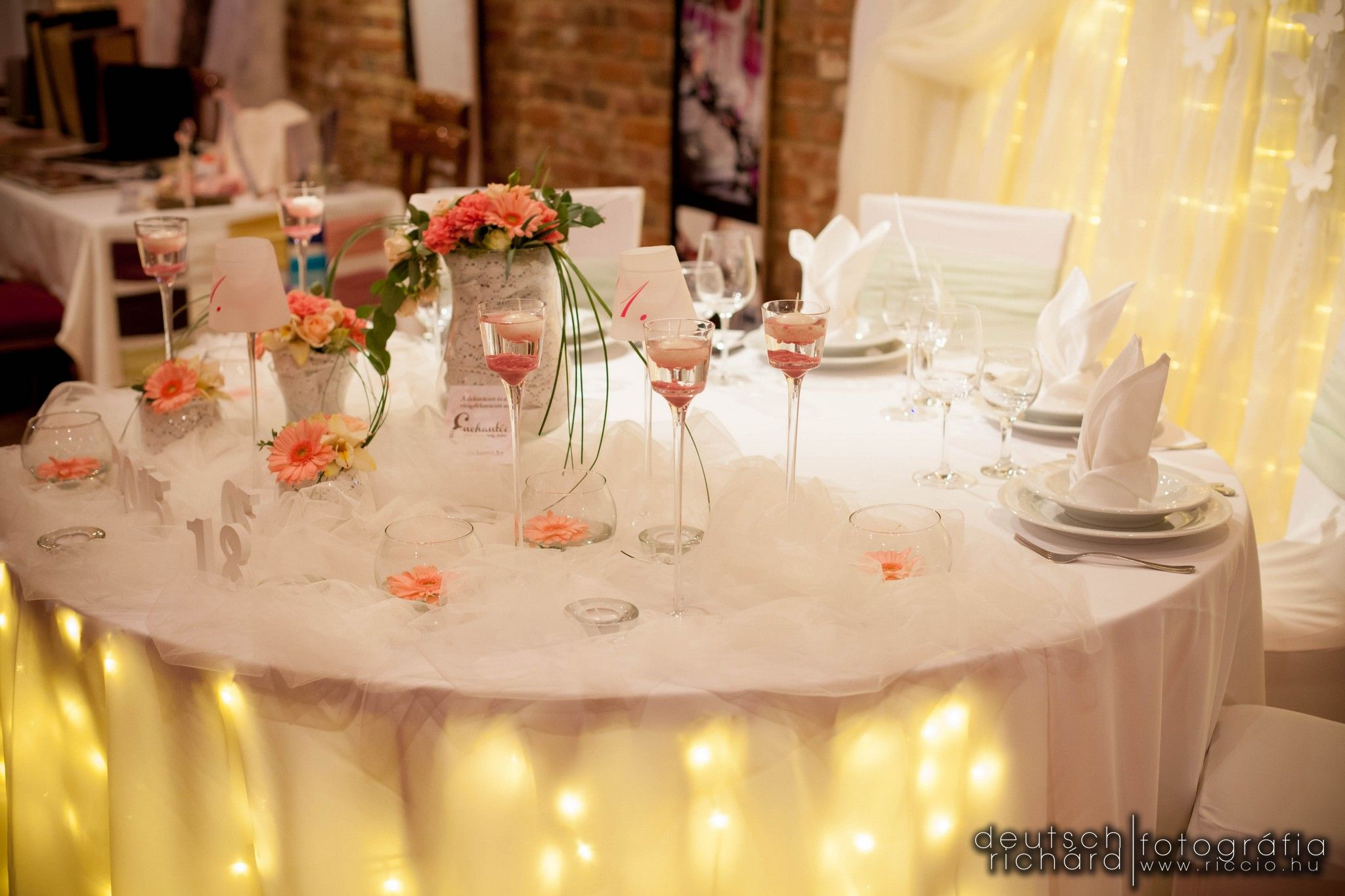 Romantic Wedding Main Table Decoration Pink Light Pink Colors With