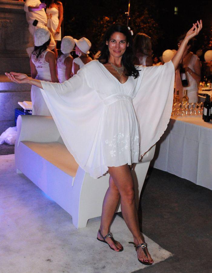 """Dîner en Blanc 2011  Cliché """"Mode de rue"""" pour Clin d'oeil"""