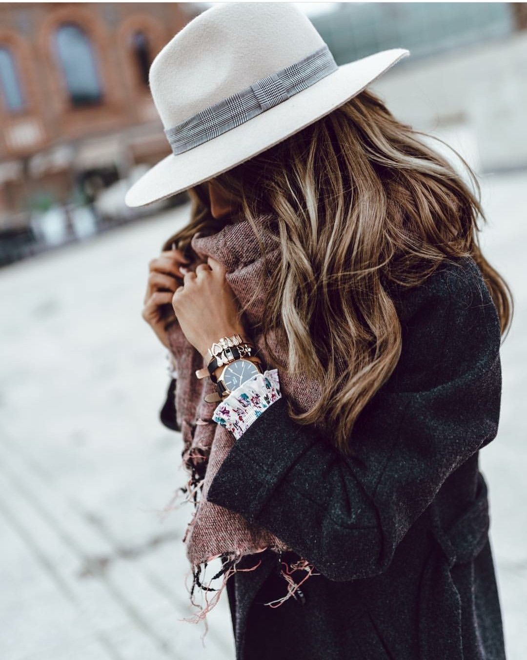 Pin By Rosa Garcia Herrera On Accesorios Y Complementos Outfits With Hats Fashion Outfits