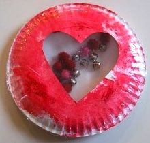 Valentine's art...I might make this with a picture in the inside!