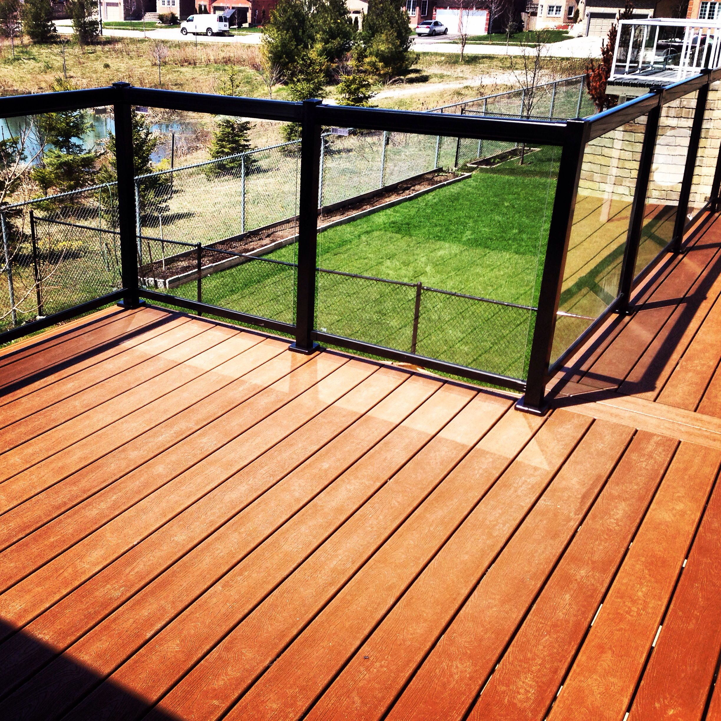 Glass railings for decks - Trex Color Tree House With Regal Glass Railing