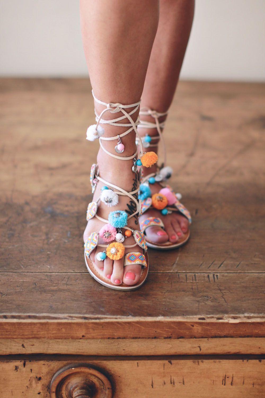 Warm Destination Wear Part 1 Jillian Harris Cutie Clothes How To Wear Pom Pom Sandals