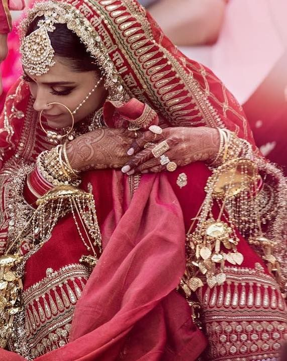 It Was Worth The Wait The First Official Photos Of Deepveer Wedding Are Finally Out Wedmegood Bridal Lehenga Red Indian Bridal Outfits Bollywood Wedding