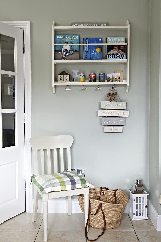 Farrow And Ball Mizzle.A Cream And Green Country Kitchen Farrow And Ball Mizzle