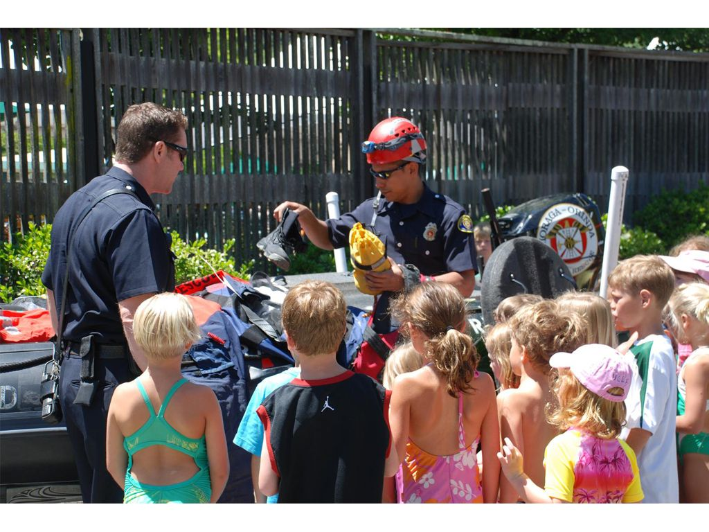 Moraga Orinda Fire District (CA) Showing the youth some gear