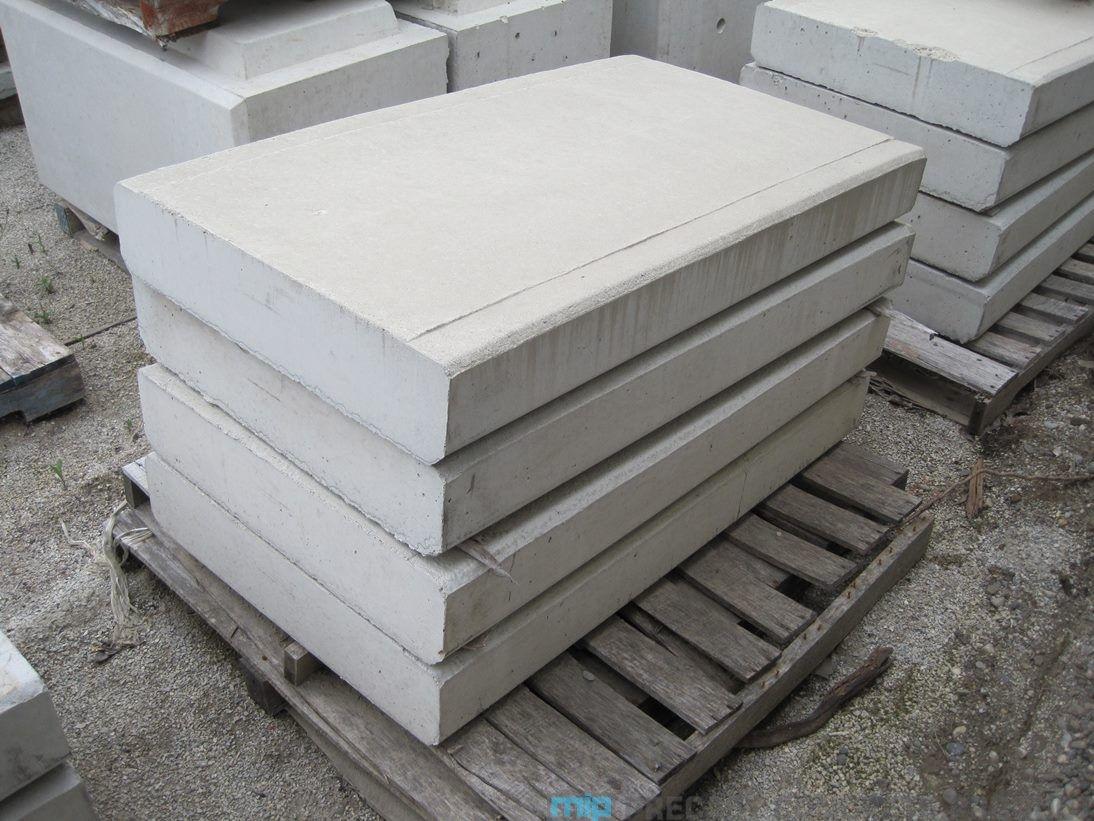 Cover Tutup U Ditch Merupakan Material Beton Precast Yang