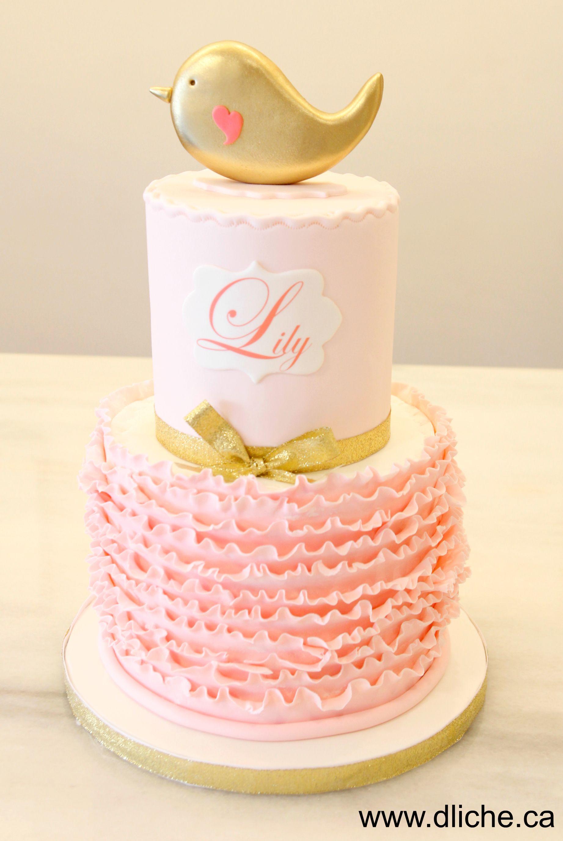 Un g¢teau rose et doré pour Lily A pink and gold cake for Lily