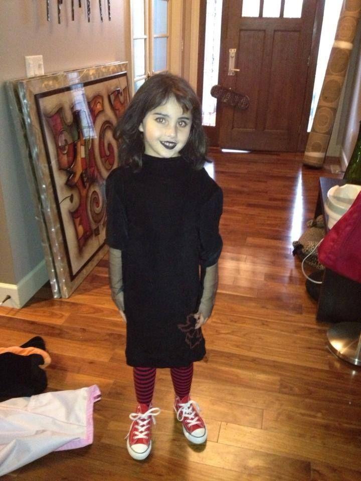 Mavis from Hotel Transylvania. Homemade Halloween ...  sc 1 st  Pinterest & DIY Mavis Dracula costume - Itu0027d be epic for a Hotel Transylvania ...