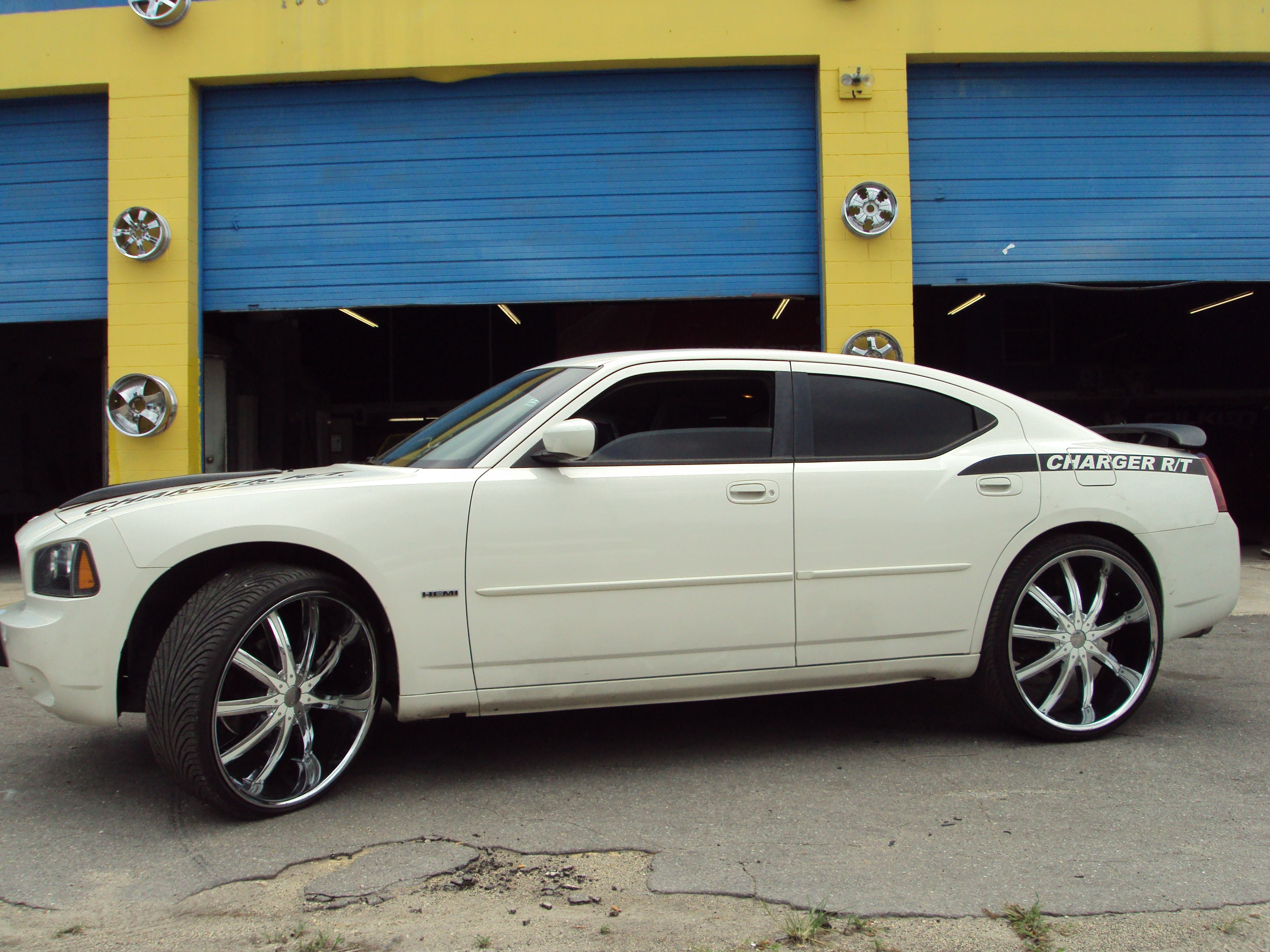 Dodge Charger On 24 Inch Rims Find The Classic Rims Of Your Dreams