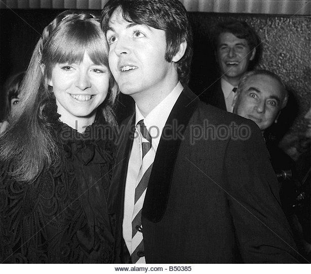 Beatles Files 1968 Paul McCartney With Jane Asher At London Pavillion For The Premiere Of Here We Go Round Mulberry Bush