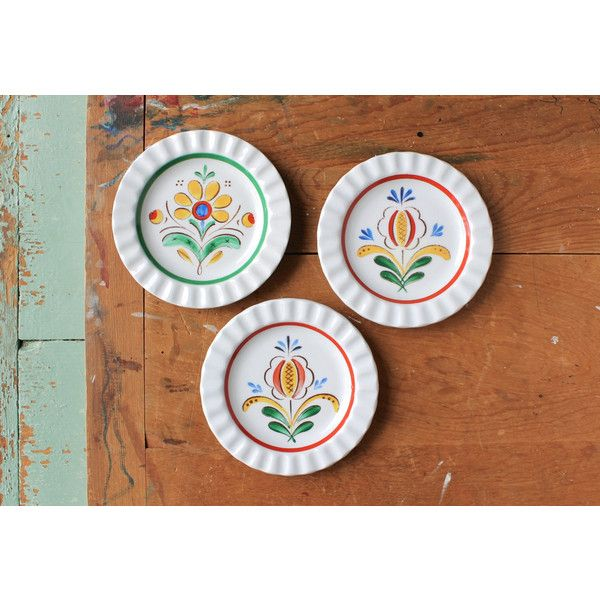 Items similar to Arabia Finland Crimped Edge Plates Floral Pattern Saucers Nordic Design Set of three Scandinavian Vintage Plates on Etsy  sc 1 st  Pinterest & Arabia Finland Crimped Edge Plates Floral Pattern Saucers Nordic ...