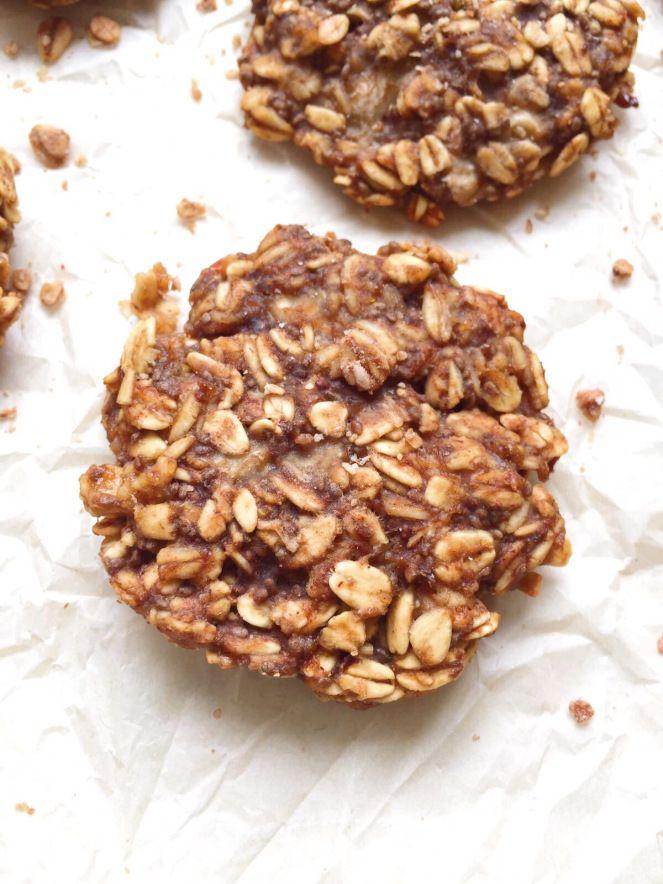 4-Ingredient Banana Oatmeal Breakfast Cookies - Th