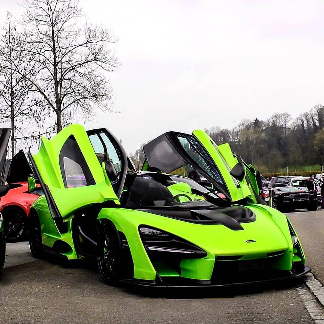 Gambar Mungkin Berisi Mobil Dan Luar Ruangan Sports Car Modern Muscle Cars Dream Cars