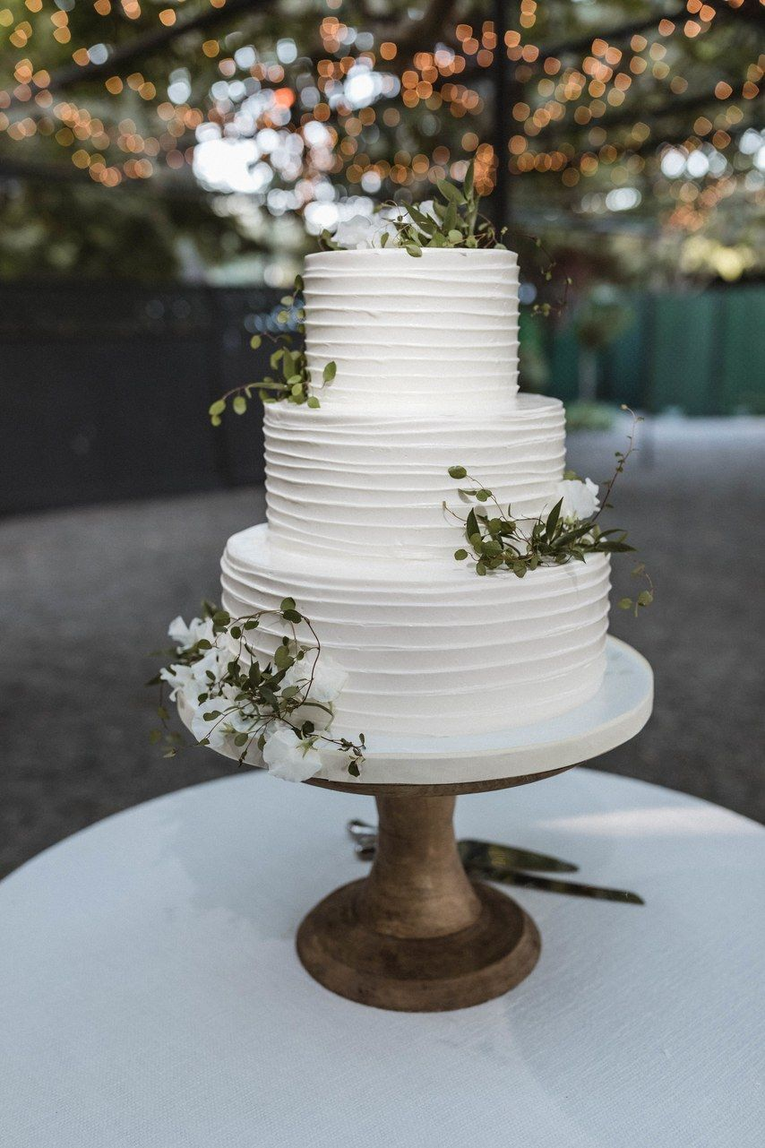 Beautiful Wedding Cakes for Every Venue