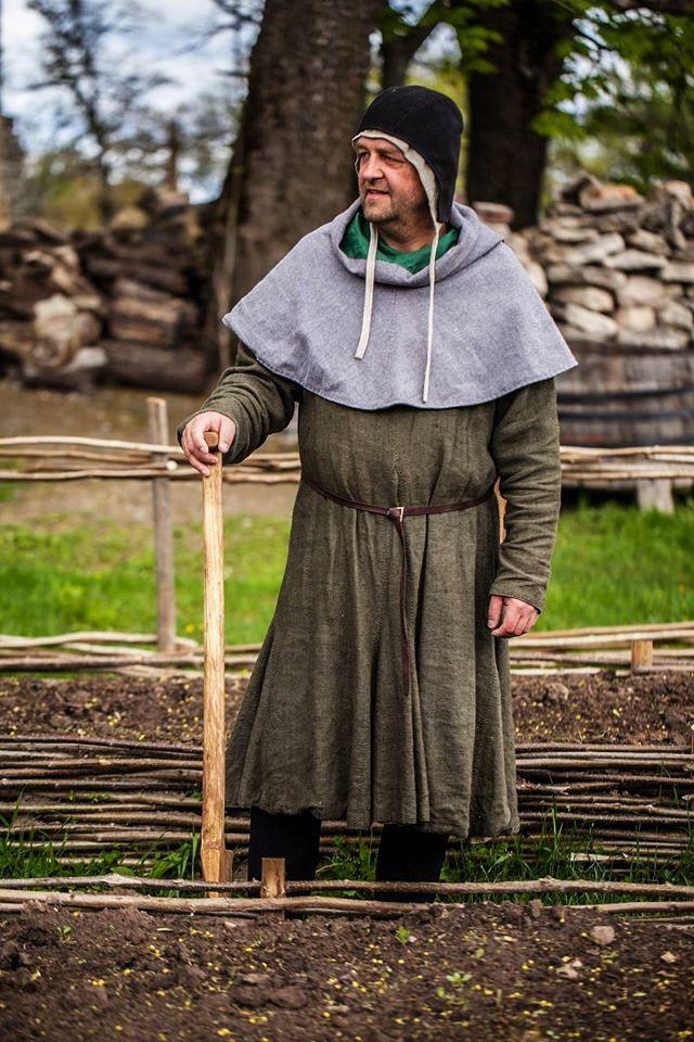 Einfache Kleidung fürs Volk, längerer Kittel, Bundhaube ...