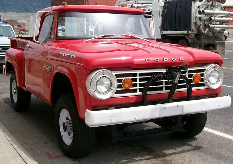 clic dodge trucks | Desert Clics...1967 Dodge W100 Power Wagon ...