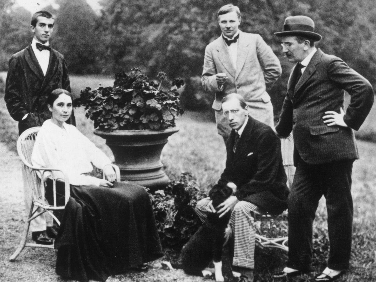 Natalia Goncharova, Igor Stravinsky, Léonide Massine, Mikhail Larionov and Léon Bakst at Diaghilev's house in Ouchy, Switzerland. Summer of 1915.