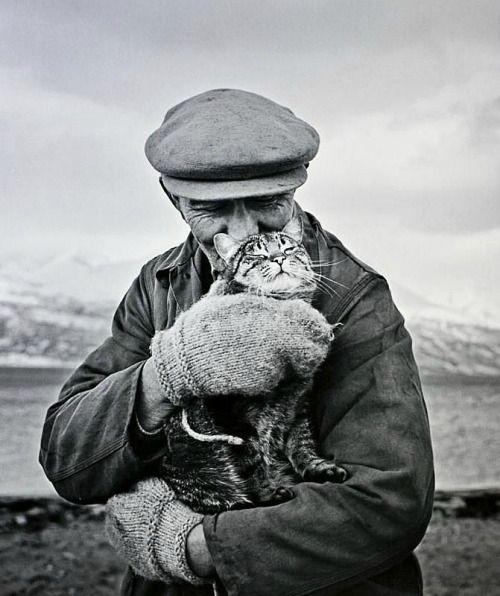 "flashofgod: "" Ismo Hölttö, Old man with cat, Skibotten, 1967. """