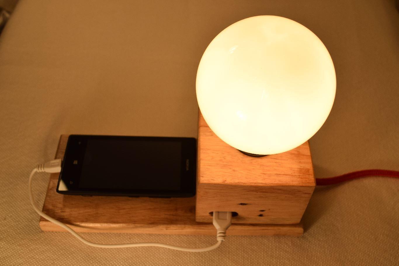 Lámpara con mesa escritorio celular de de cargador 8mNnOv0w