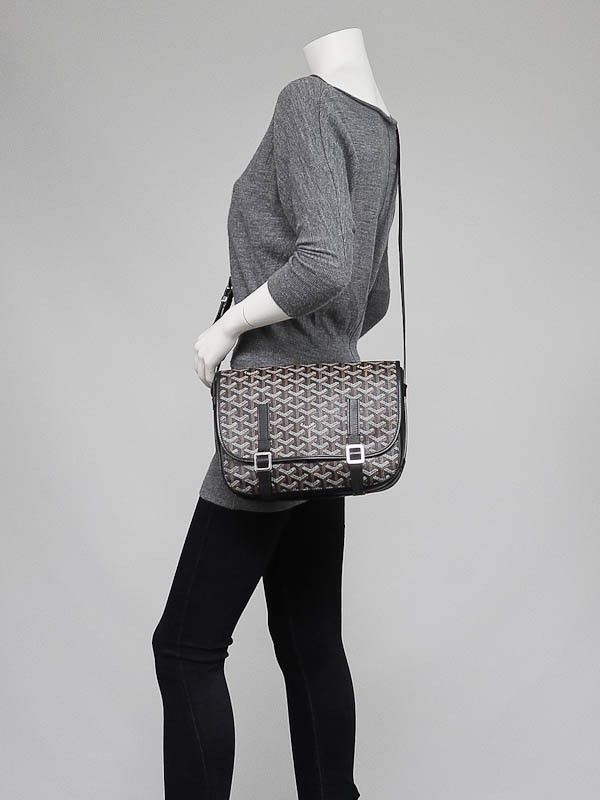dc10d76ded2380 Luxury and casual sophistication blend together to create this rare and  stylish Goyard Black Chevron Print Coated Canvas Belvedere MM Saddle Bag.
