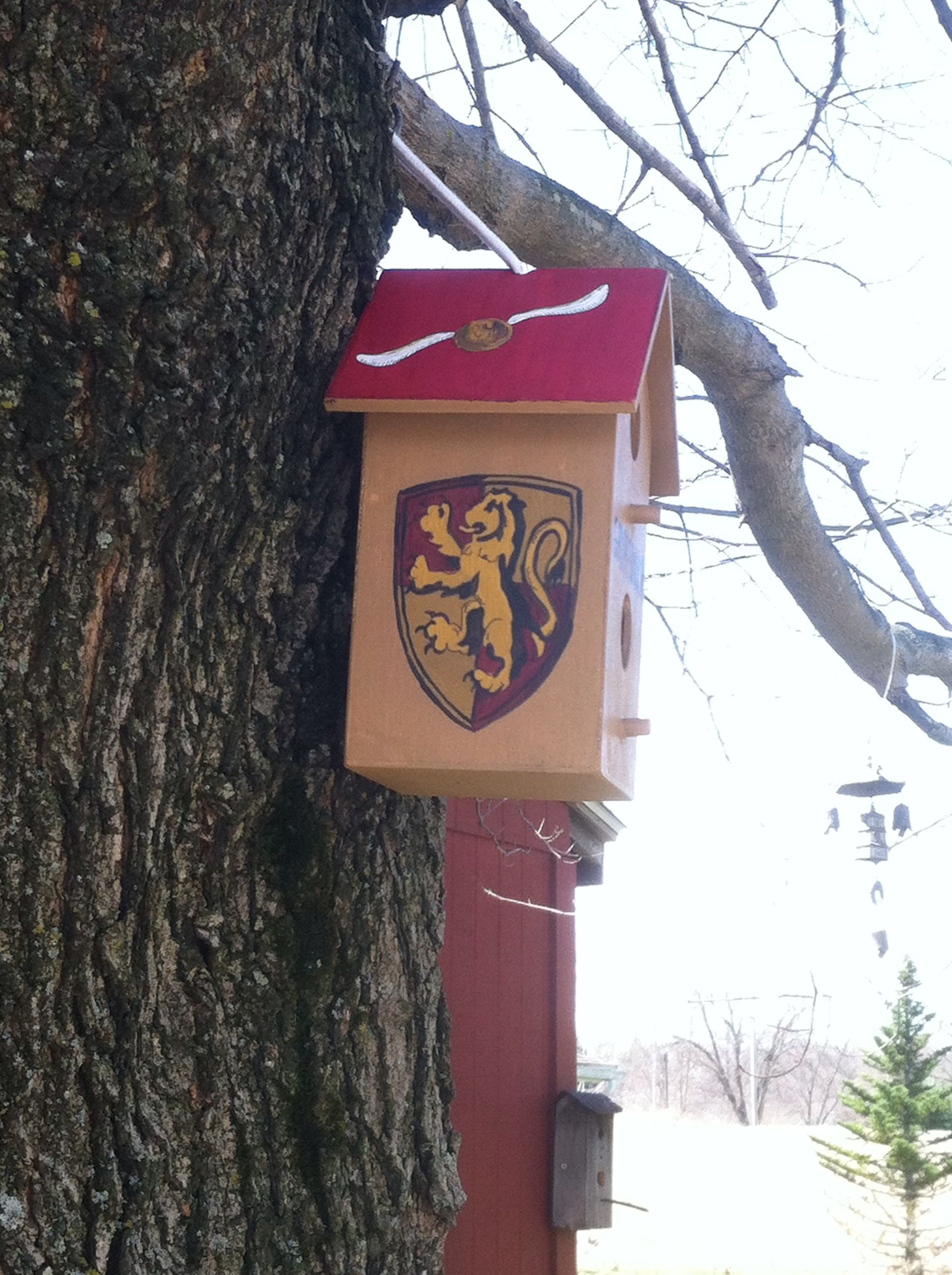 My Harry Potter Themed Bird House Used My Mad Skills To Paint This Plain House Bird House Outdoor Decor Brid House