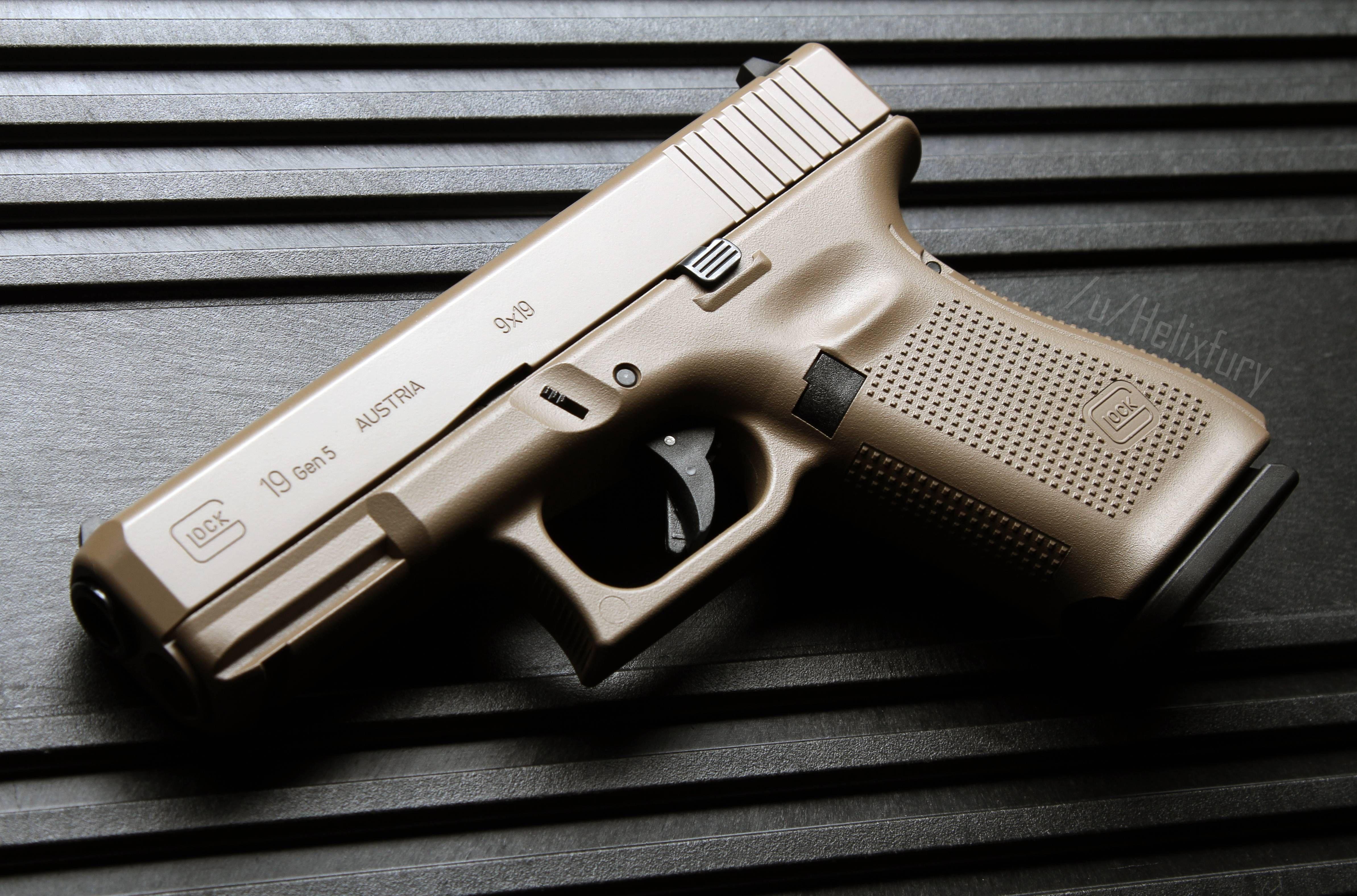Glock 19 Gen 5 FDE [OC] [4773x3152] | Glock | Hand guns