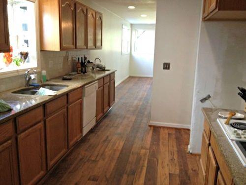 Vinyl Flooring Kitchen, What Color Laminate Flooring With Honey Oak Cabinets