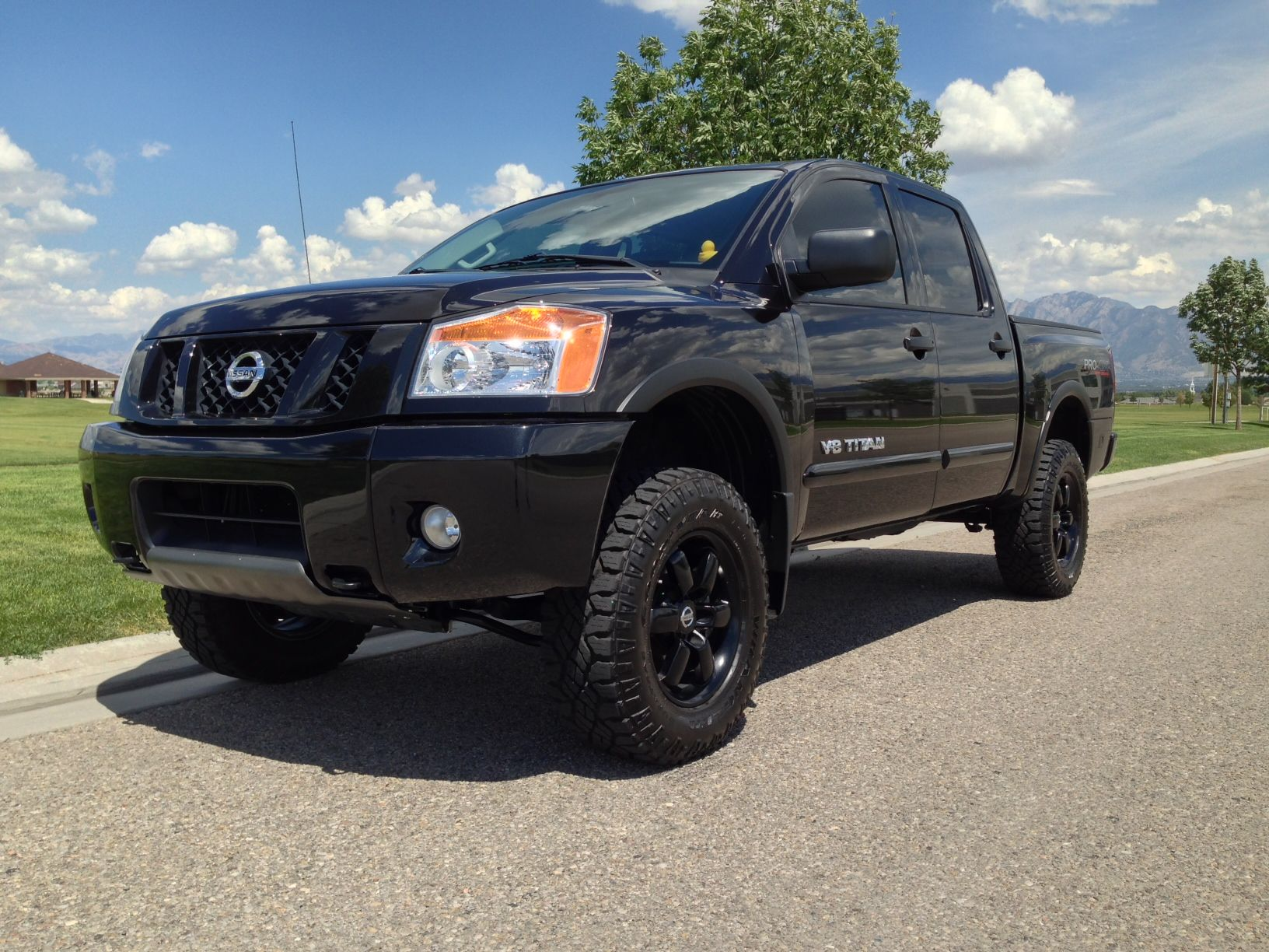 4 lift kit on this nissan titan tuff country lift kit. Black Bedroom Furniture Sets. Home Design Ideas