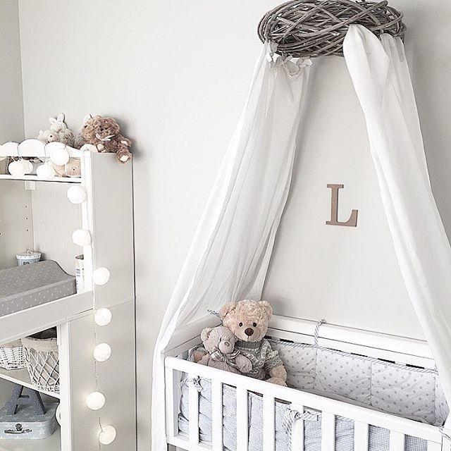 Cute baby room ✨Rommet til lille✨ Tenk at han snart er 7 mnd, tiden går så alt for fort lille babyen min jo✨ Ha en fantastisk dag alle sammen ☺️ #littleshabby #mittbarnerom #mittgutterom #barneskatter #barnerominspo #barneromrepost