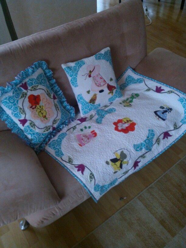 Hand made . Kopfkissen - Handarbeit patchapliq und quilt für kleine Kinder. Free Embroidery Sunbonnet