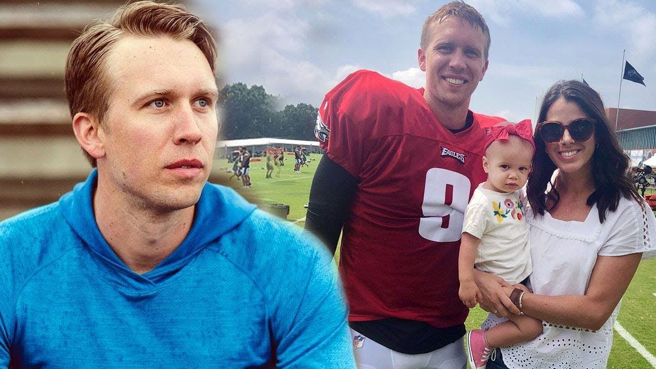 Nick Foles Family Photos With Daughter And Wife Tori Moore 2019 Family Photos Sports Gallery Wife And Girlfriend