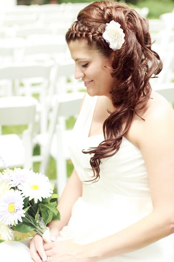 pretty wedding hairstyle  http://thingsfestive.blogspot.com/2012/09/real-garden-wedding-in-lanesboro-mn.html