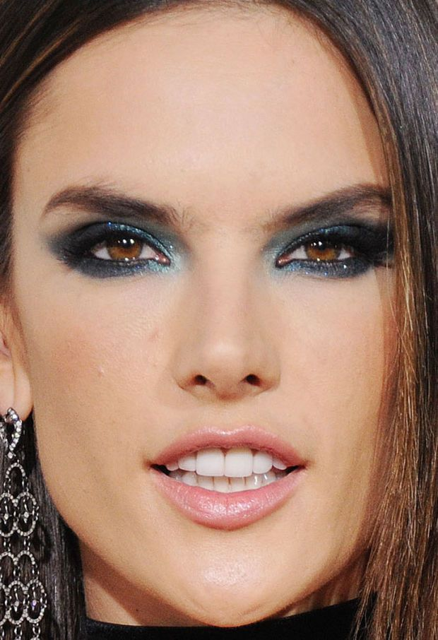 Close-up of Alessandra Ambrosio at the 2016 Grammy Awards. http://
