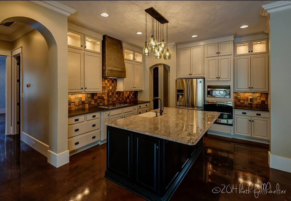 Kitchen Cabinet Kemper Cabinetry Fairbrook Maple Dover Paint With Amaretto Creme Glaze Perimeter And Chocolate Stain On Island Two Toned